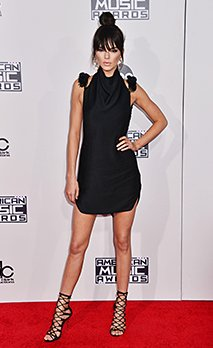 Kendall Jenner 303 auf 2015 Die American Music Awards, die in den Microsoft Theater in Los Angeles. November 22, 2015. Kendall Jenner 303 Veranstaltung in Hollywood Leben - Kalifornien, Red Carpet Event, USA, Filmindustrie, Prominente, Fotografie, Bestof, Kunst, Kultur und Unterhaltung, Topix prominente Mode, Besten, Hollywood Leben, Event in Hollywood Leben - Kalifornien, Roter Teppich und backstage, Film Stars, TV Stars, Musik, Promis, Topix, Bestof, Kunst, Kultur und Unterhaltung, vertikal, eine Person, Fotografie, Mode, volle Länge, 2015 Anfrage tsuni@Gamma-USA.com, Kredit Tsuni/ Stock Foto